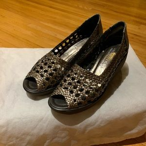 Pewter woven leather wedge DONALD PLINER